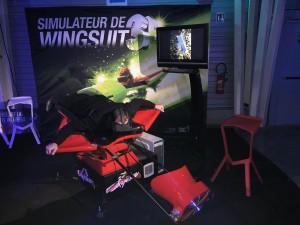 Animation d'entreprise avec le simulateur de Wingsuit en réalité virtuelle.