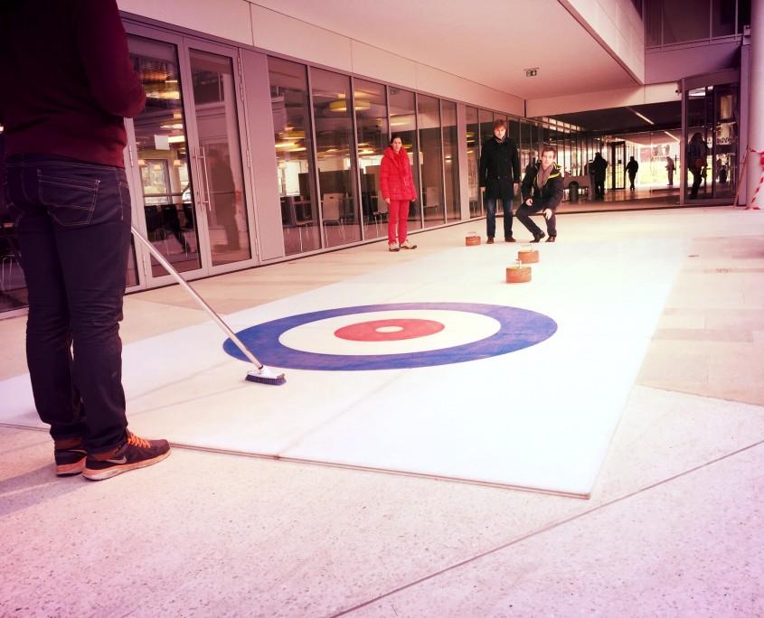 Location d'une piste de curling pour vos animations d'entreprise en région des Pays de Loire
