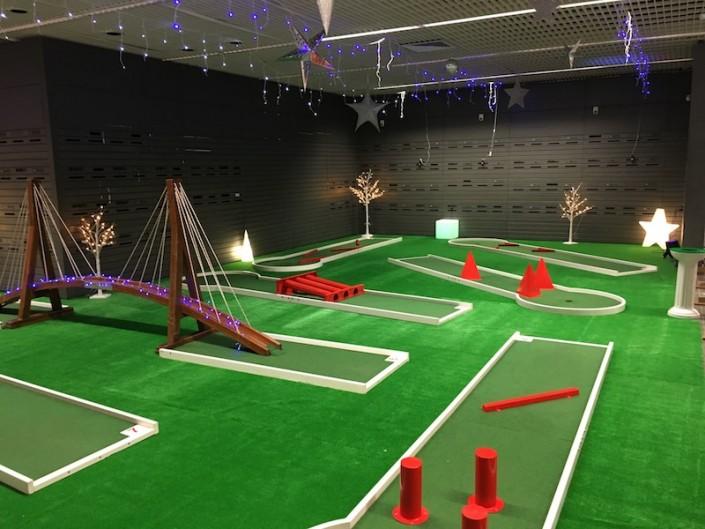 Prestation d'animation avec des pistes de mini golf pour vos événements Team Building