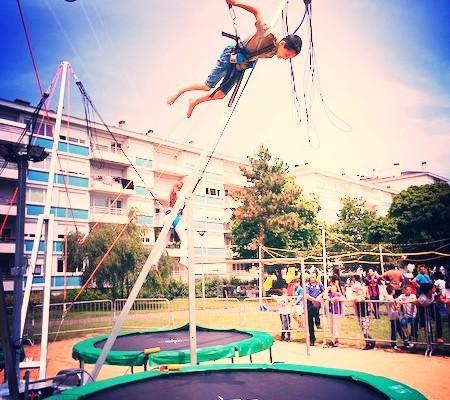 Prestation avec le trampoline élastique 4 pistes