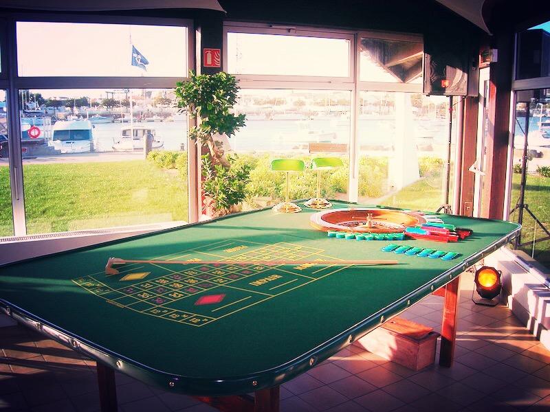 Séminaire d'entreprise avec tables de Casino La Baule