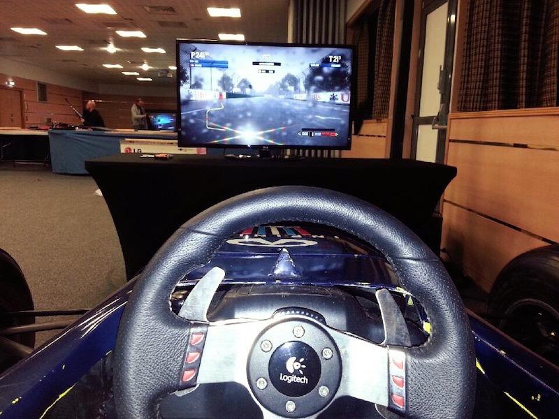 Animation de centre commercial avec un simulateur de F1 Nantes