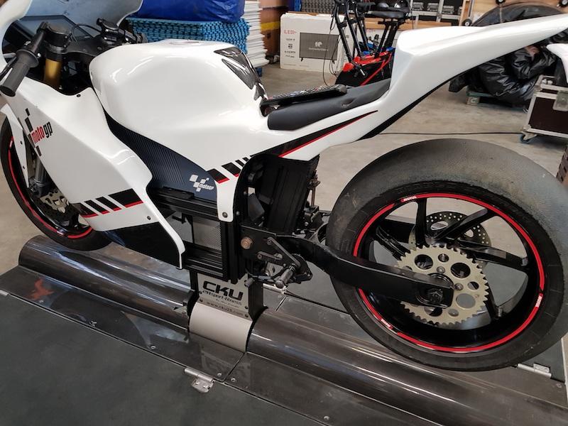 Simulateur moto GP sur Vérin avec BE Event Sensation