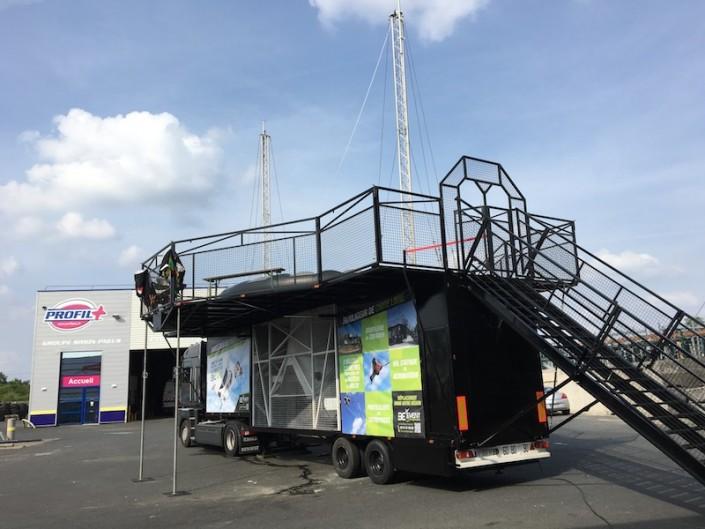 Installation de notre simulateur de chute libre Beflying à Rennes pour un événement d'entreprise